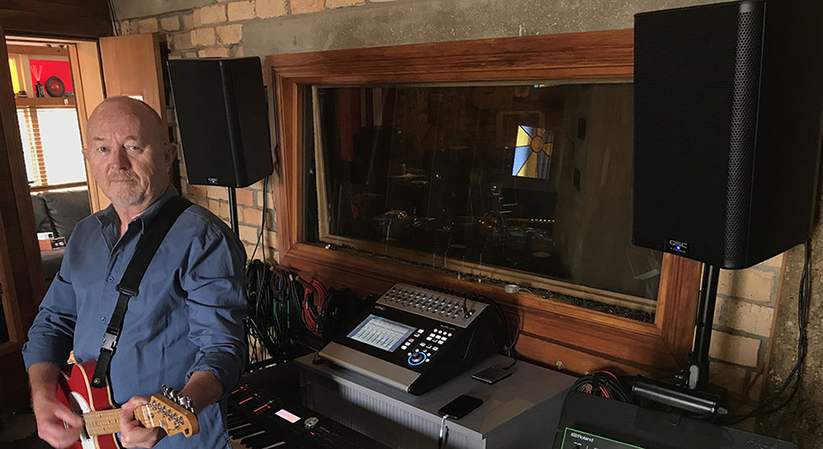 Dave-in-studio-hero